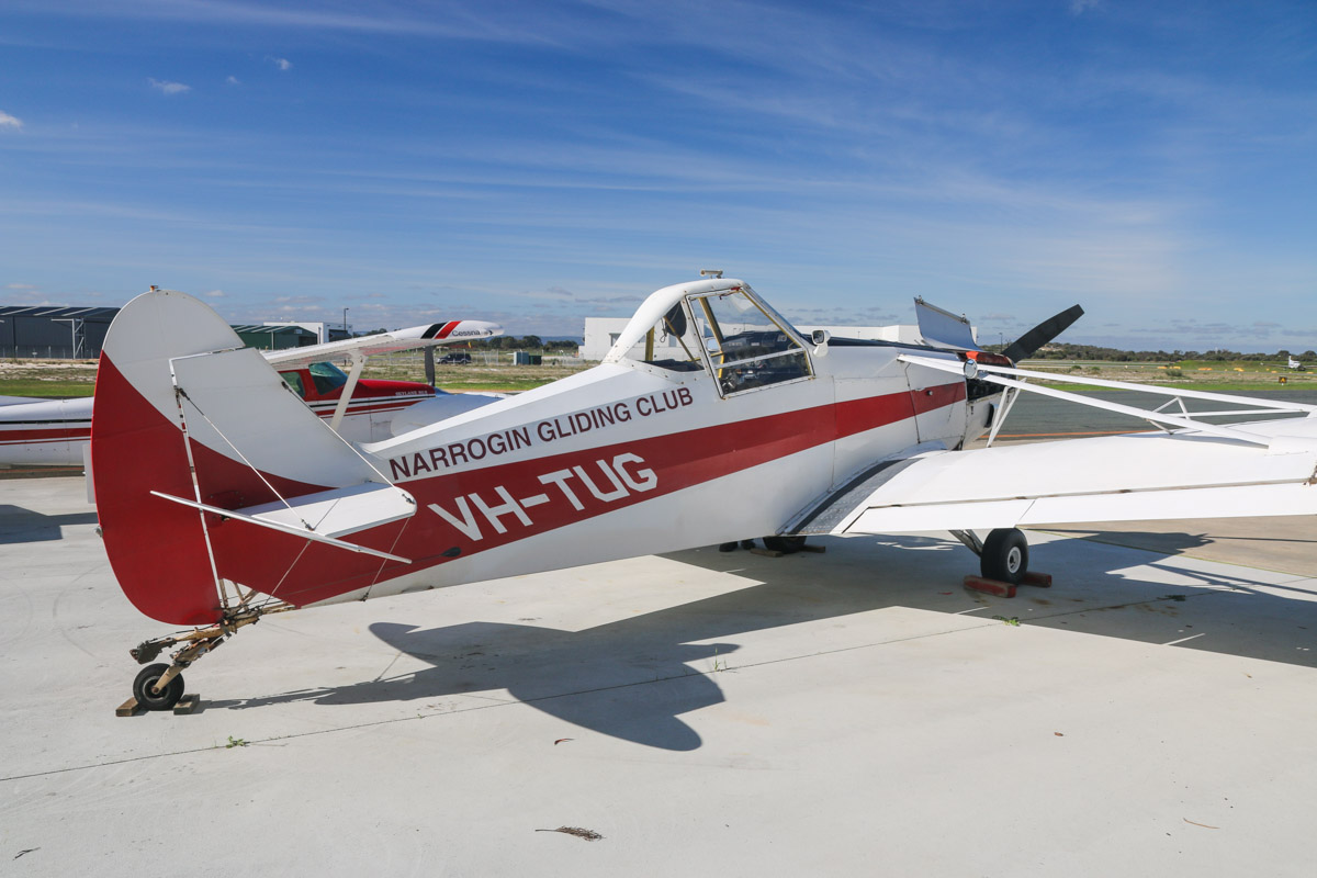 VH-TUG Piper PA-25-235 Pawnee (MSN 25-2583) owned by Narrogin Gliding Club Inc, of Narrogin, WA, at Jandakot Airport – Fri 30 May 2014. Photo © David Eyre