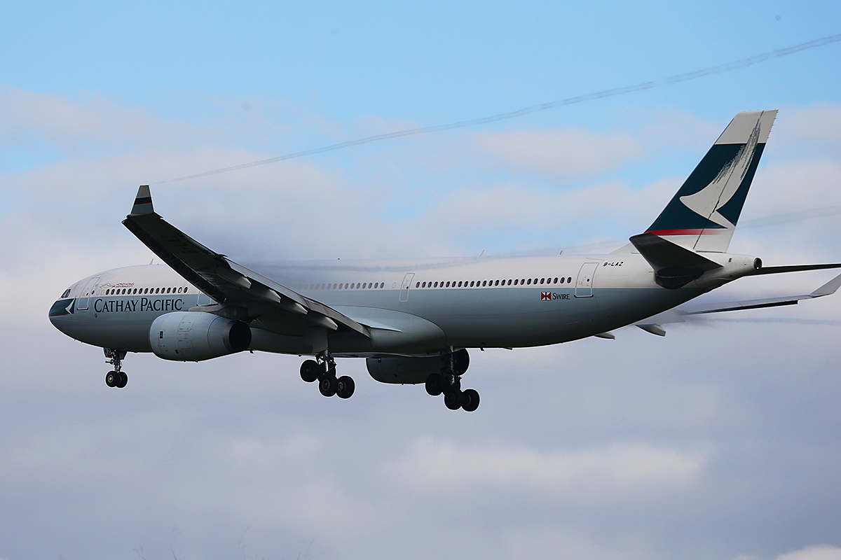 B-LAZ Airbus A330-343X (MSN1387) of Cathay Pacific at Perth Airport – 2 June 2014.