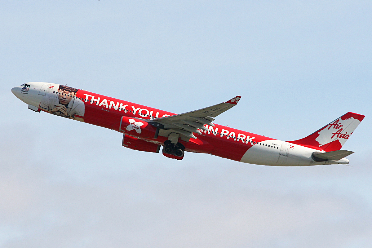 "9M-XXO Airbus A330-343X (MSN 692) of AirAsia X, with ""THANK YOU CAPTAIN PARK"" special livery, at Perth Airport – 3 June 2014"