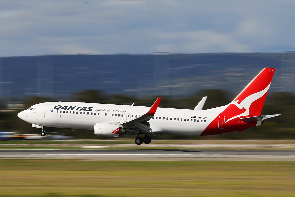 VH-VZE Boeing 737-838 (MSN 34199) of Qantas, at Perth Airport – Tuesday 3 June 2014