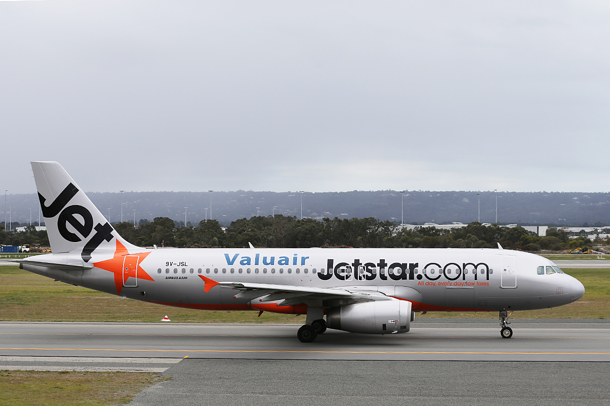 9V-JSL Airbus A320-232 (MSN 4786) of Jetstar Asia, with Valuair titles, at Perth Airport – Sat 21 June 2014
