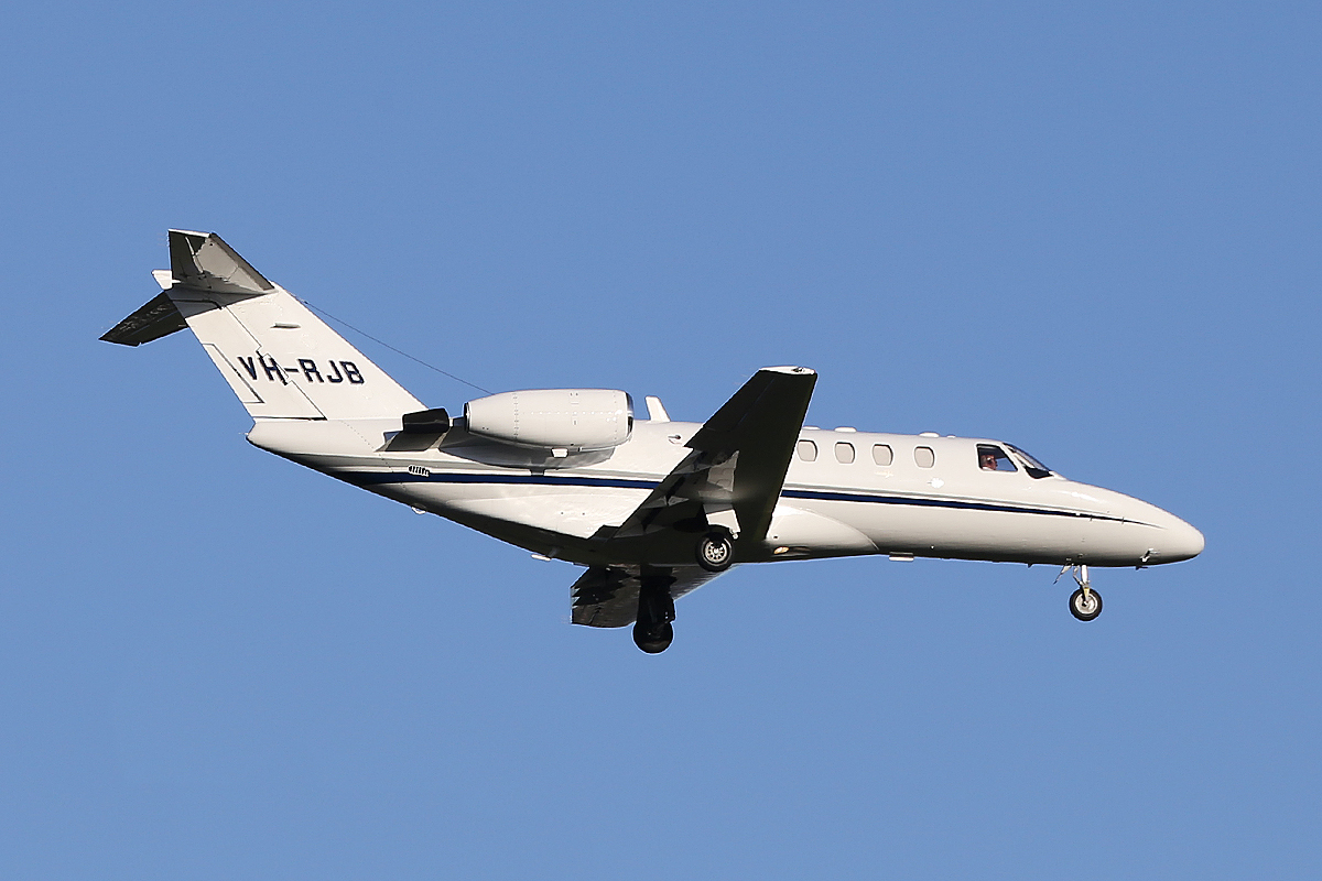 VH-RJB Cessna 525A (MSN 525A-0094) of Edwards Coaches Pty Ltd at Perth Airport – 24 June 2014