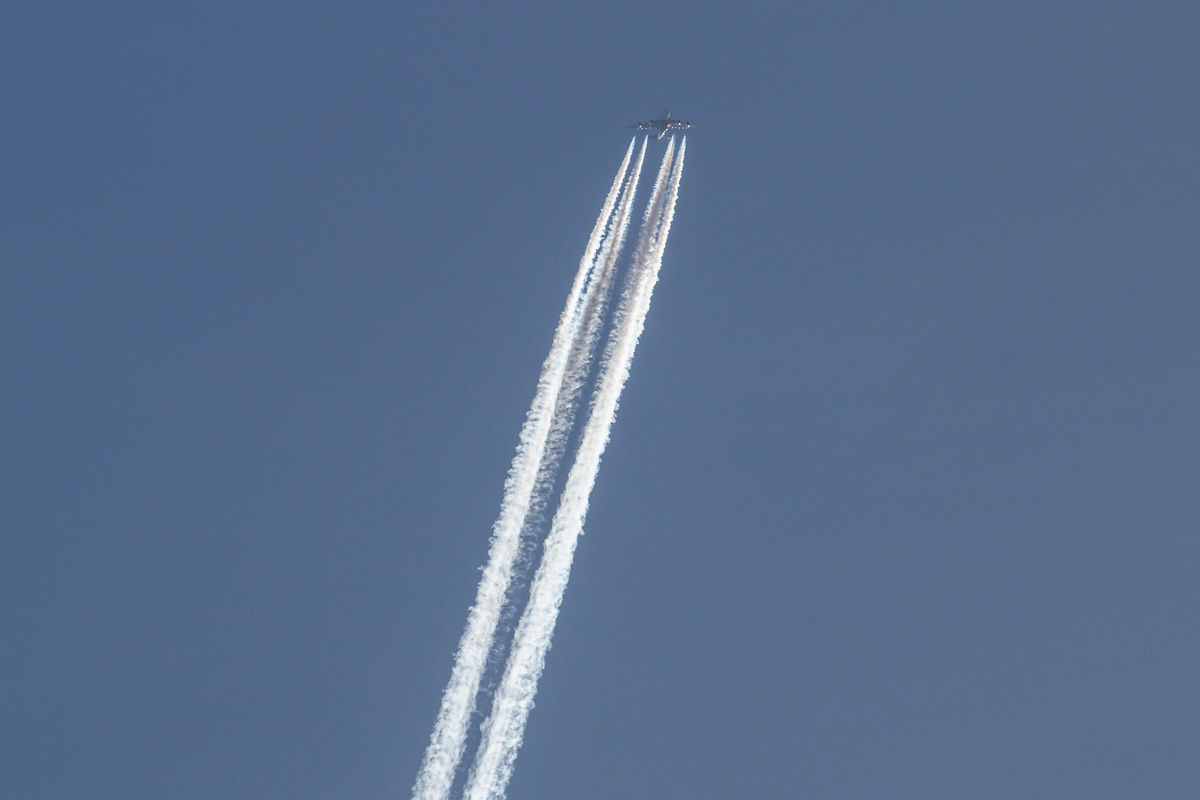 A6-EEV Airbus A380-861 (MSN 150) of Emirates, over the northern suburbs of Perth - Sat 28 June 2014. Photo © David Eyre.