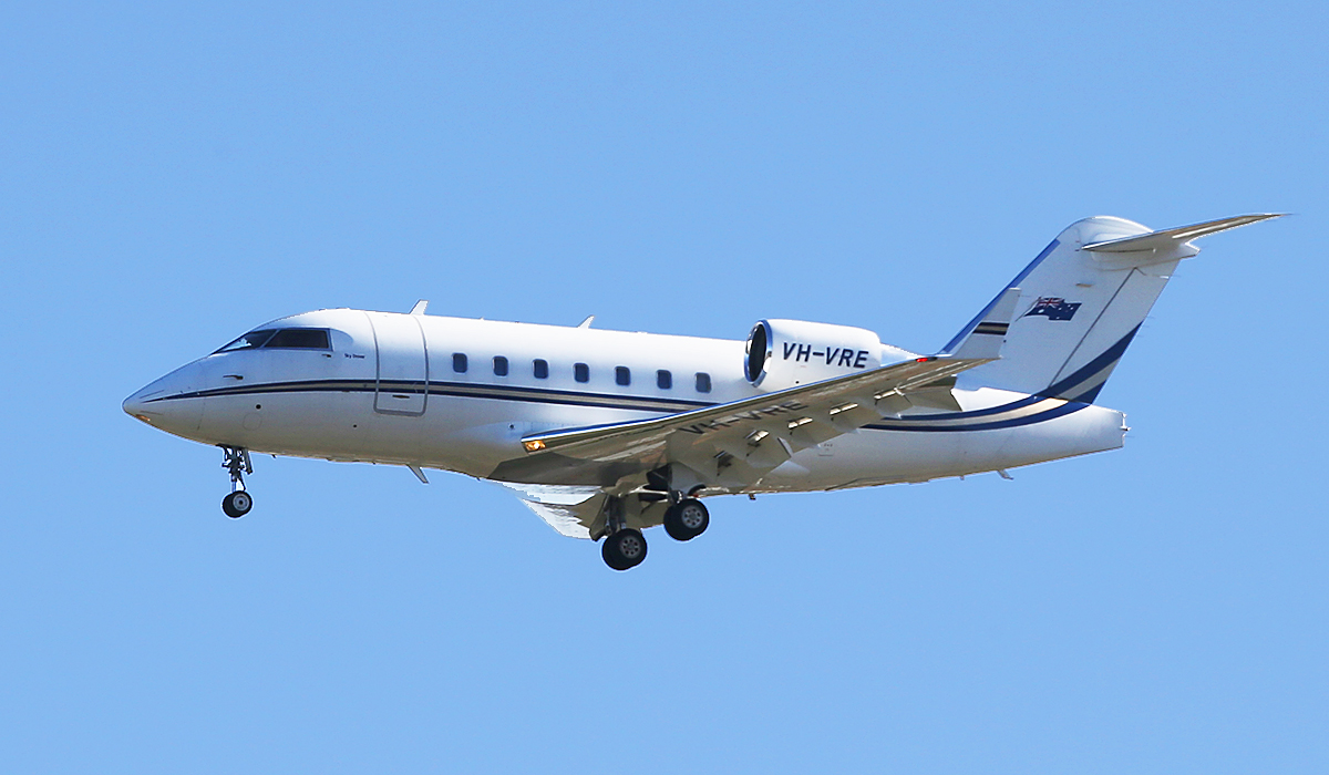 VH-VRE Canadair CL604 Challenger of Execujet at Perth Airport – 3 July 2014