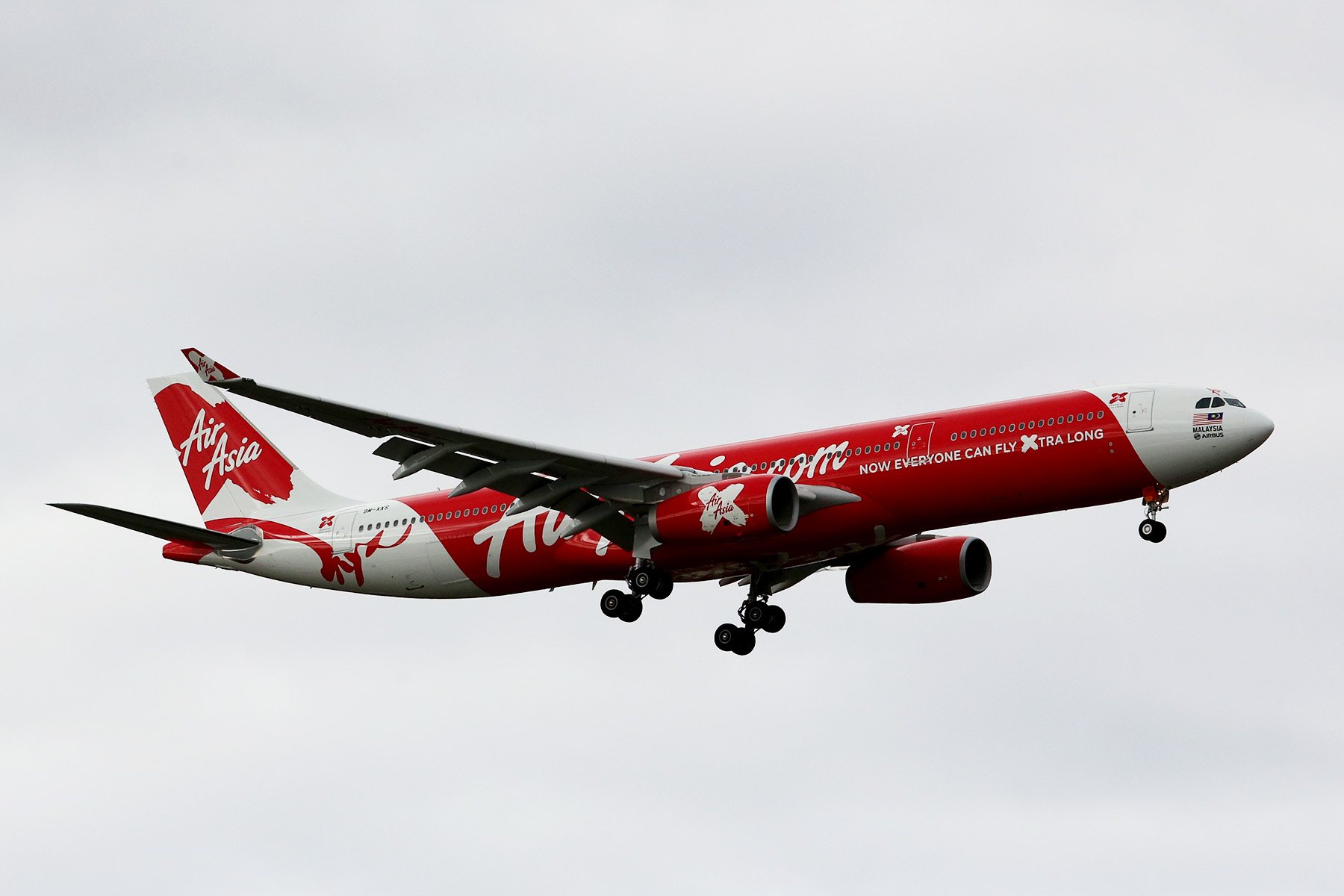 9M-XXS Airbus A330-343 of Air Asia X at Perth Airport – 9 July 2014