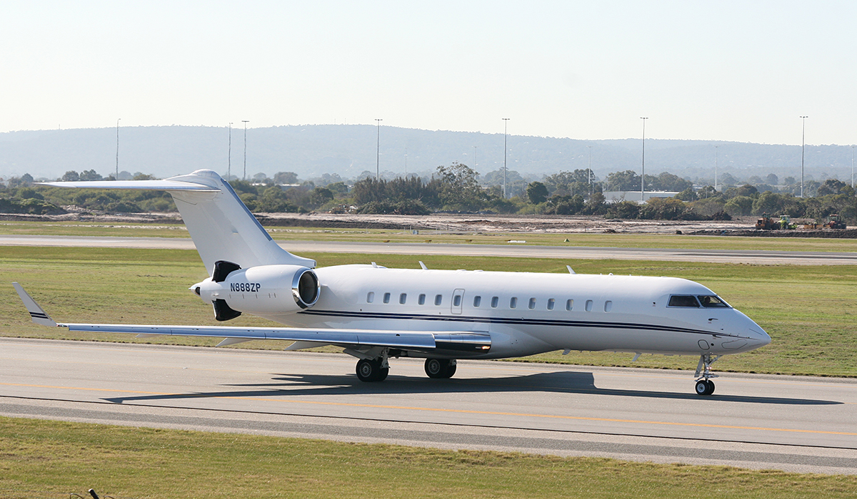 N888ZP Bombardier BD-700-1A10 Global Express at Perth Airport – 10 July 2014