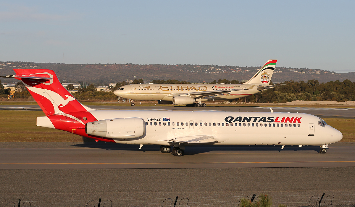 VH-NXG Boeing 717-200 (MSN 55057) of QantasLink at Perth Airport – Thurs 17 July 2014