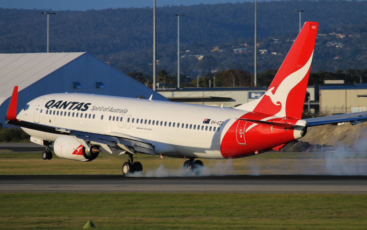 VH-VZZ Boeing 737-838 (MSN 39445/4010) of Qantas, named 'Walpole', at Perth Airport - Thu 17 July 2014. Landing on runway 03 at 16:39 as QF793 from Darwin. Photo © David Eyre