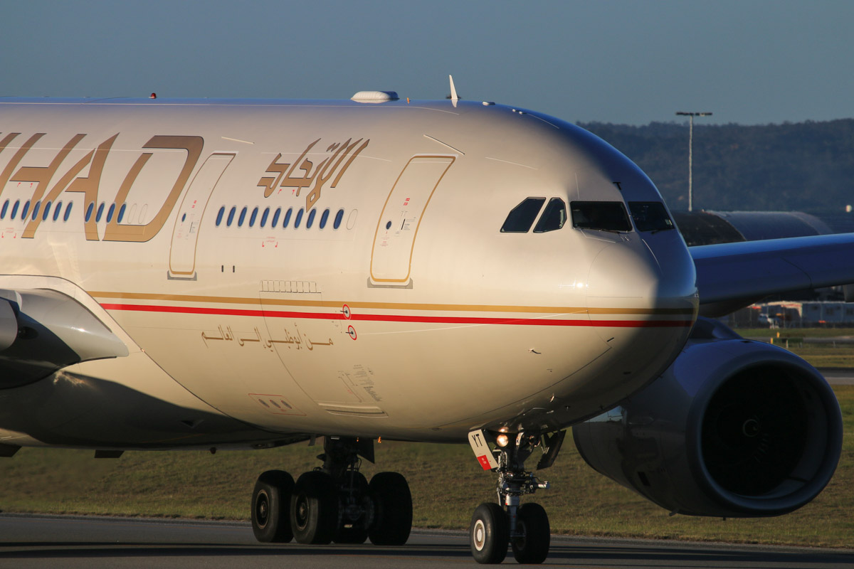 A6-EYT Airbus A330-243 (MSN 1486) of Etihad, at Perth Airport – Fri 18 July 2014. Taxying out to runway 03 at 16:42 as EY487 to Abu Dhabi. Photo © David Eyre