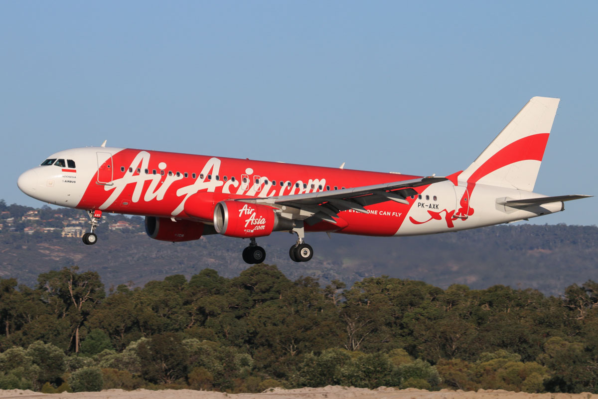 PK-AXK Airbus A320-216 (MSN 4147) of Indonesia AirAsia, at Perth Airport – Fri 18 July 2014. Landing on runway 03 as QZ8414 from Denpasar (Bali) at 16:11. Photo © David Eyre