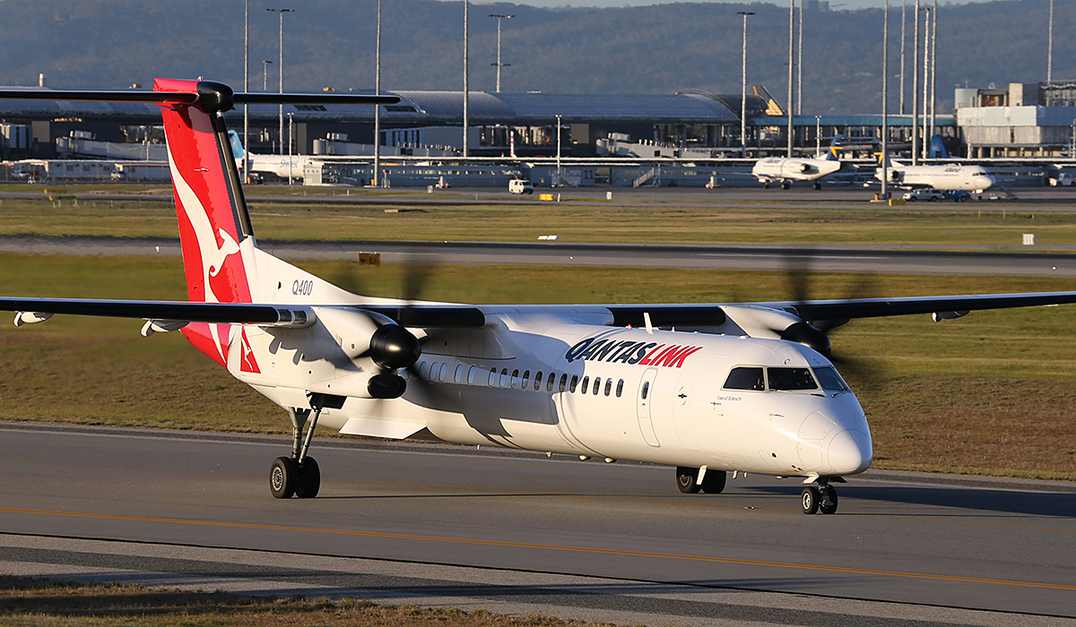 "VH-LQG Bombardier DHC-8-402NG Dash 8 Q400 (MSN 4376) of QantasLink (leased from Sunstate Airlines), named ""Town of Exmouth"", at Perth Airport – Fri 18 July 2014."
