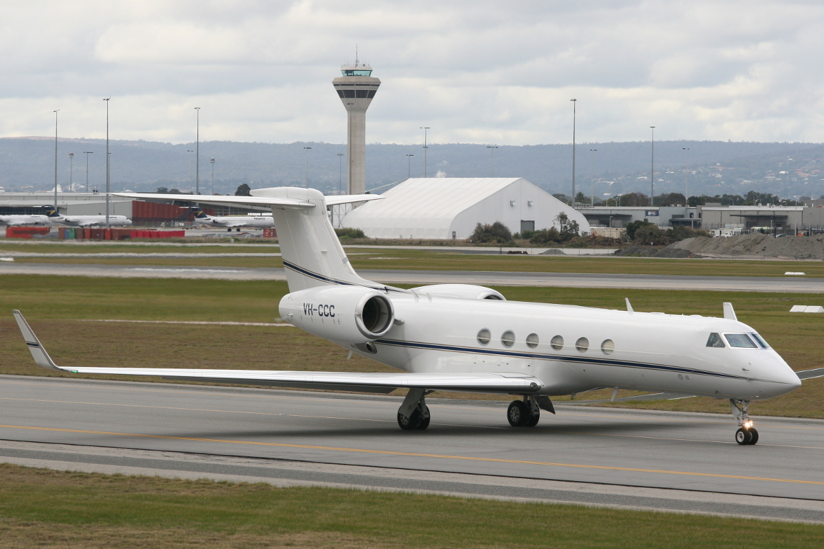 VH-CCC Gulfstream 5 (MSN 581) owned by Crown Casinos Melbourne at Perth Airport – Wed 23 July 2014