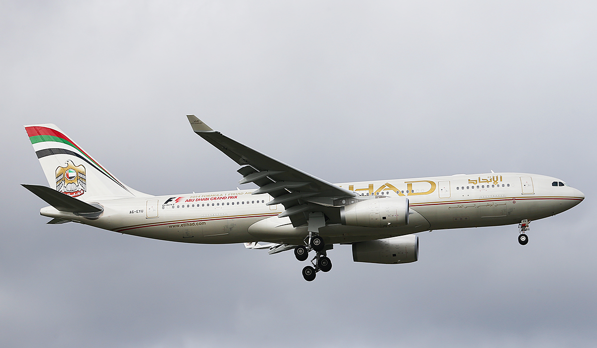A6-EYU Airbus A330-243 (MSN 1521) of Etihad Airways at Perth Airport – Tues 29 July 2014