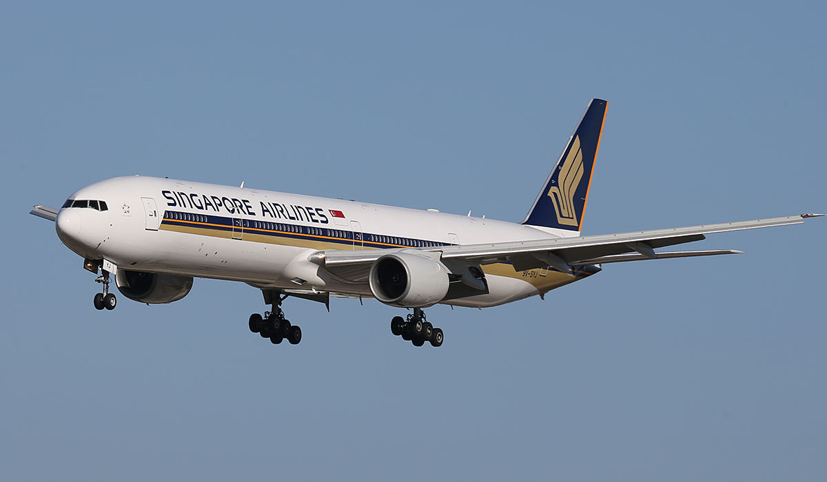 9V-SYJ Boeing 777-312 (MSN 33374) of Singapore Airlines at Perth Airport – Friday 1 August 2014.