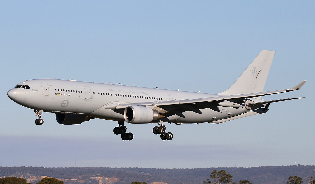 A39-002 Airbus A330-203 (MSN 951) of 33 Squadron, RAAF, at Perth Airport – Wed 6 Aug 2014.