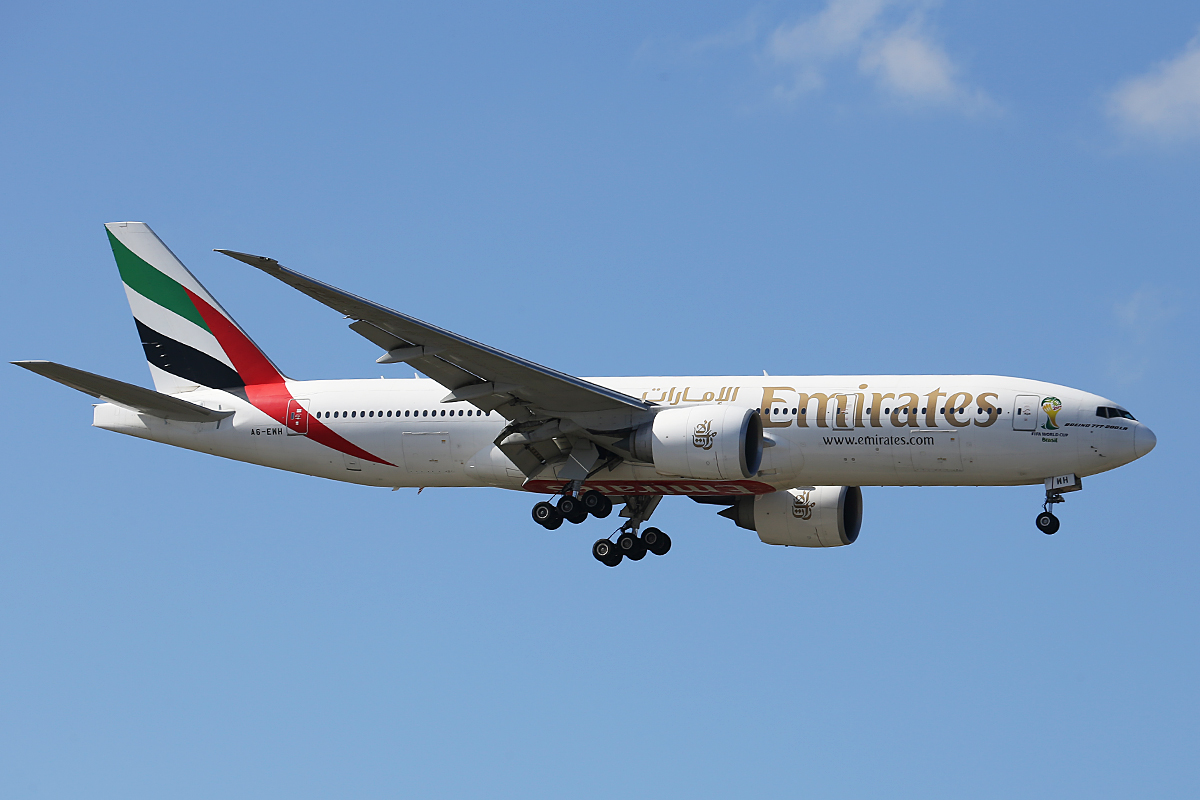 A6-EWH Boeing 777-21HLR (MSN 35587) of Emirates at Perth Airport – Fri 8 Aug 2014.
