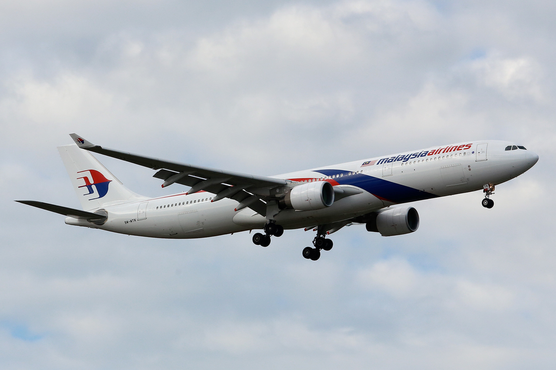 9M-MTN Airbus A330-323X (MSN 1470) of Malaysia Airlines at Perth Airport - Sun 10 August 2014