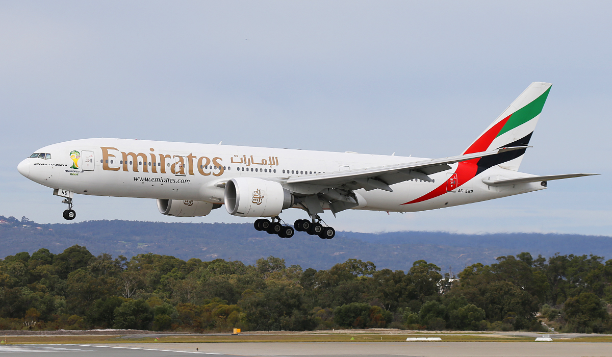 A6-EWD Boeing 777-21HLR (MSN 35577) of Emirates at Perth Airport –. Tues 12 Aug 2014