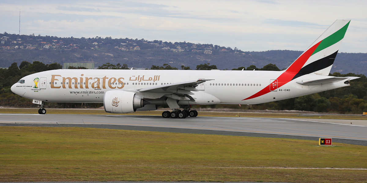 A6-EWD Boeing 777-21HLR (MSN 35577) of Emirates at Perth Airport – Tues 12 Aug 2014.
