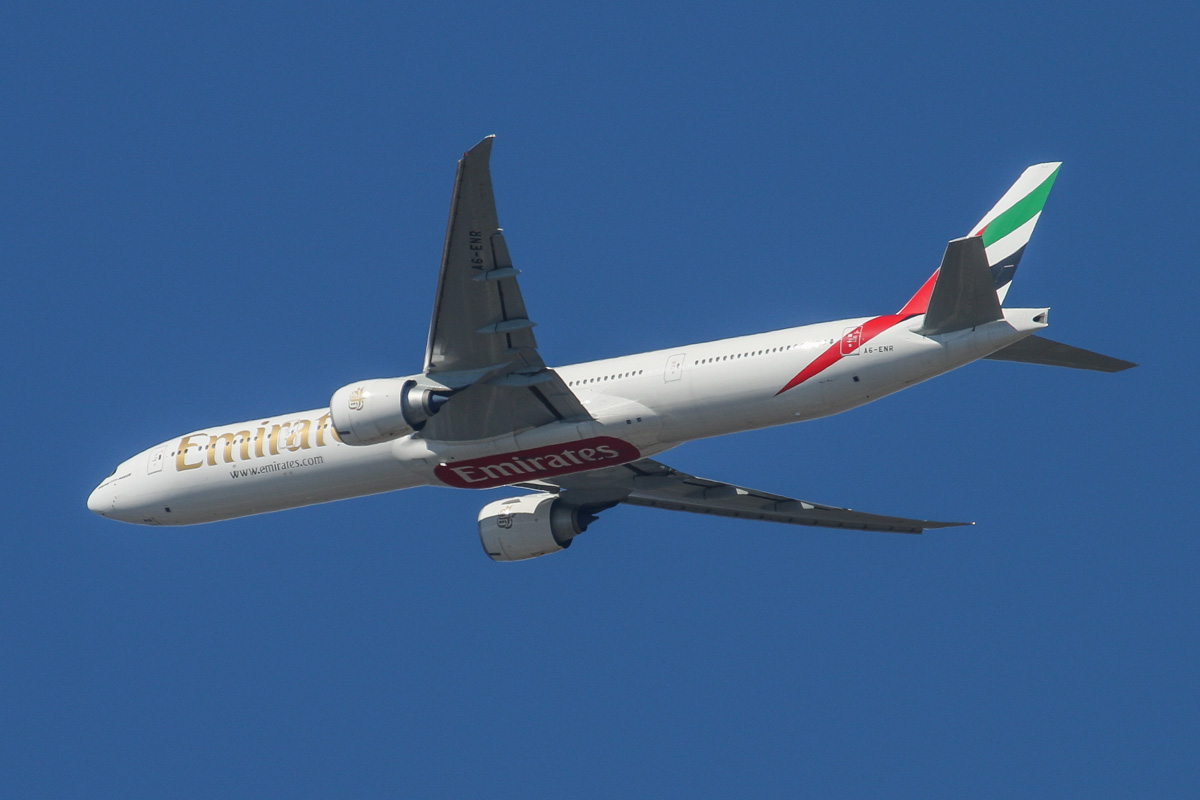 A6-ENR Boeing 777-31HER (MSN ) of Emirates over the northern suburbs of Perth - 16 August 2014. Flight EK422 from Dubai at 12:09pm, flying at 3,400 feet, heading North East before turning right to join the approach to Perth Airport's runway 21. Photo copyright David Eyre.
