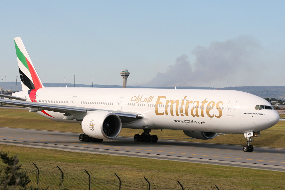 A6-ENR Boeing 777-31HER (MSN 41364) at Perth Airport – Sat 16 Aug 2014.
