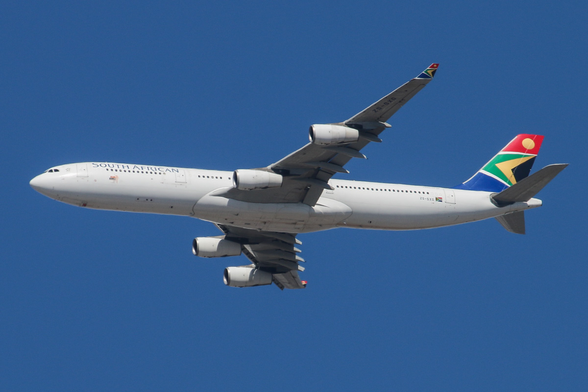 ZS-SXG Airbus A340-313X (MSN 378) of South African Airways over the northern suburbs of Perth - 16 August 2014. Flight SA280 from Johannesburg at 1:12pm, flying at 3,400 feet, heading North East before turning right to join the approach to Perth Airport's runway 21. Photo copyright David Eyre.