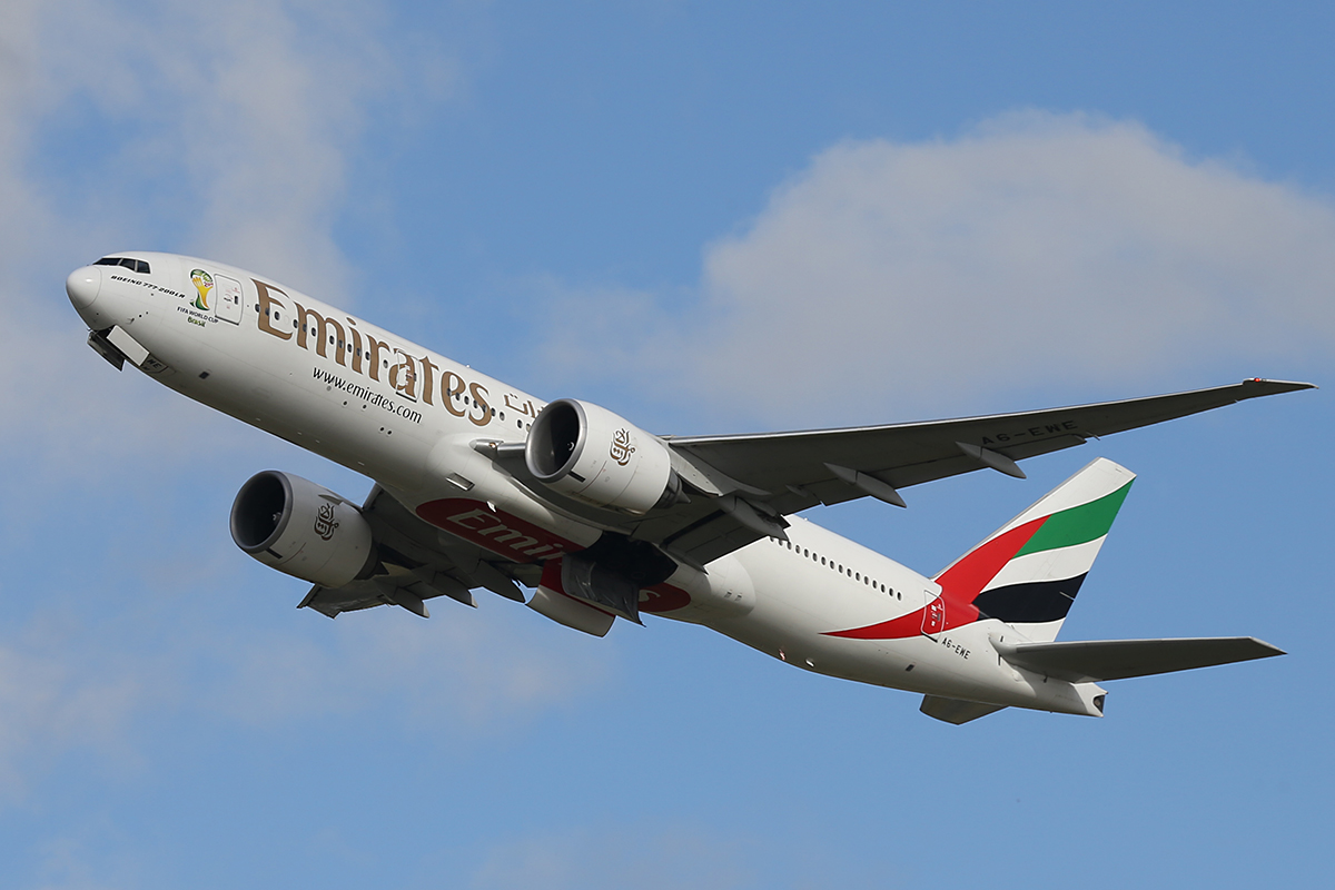 A6-EWE Boeing 777-21HLR (MSN 35582) of Emirates at Perth Airport – Wed 20 Aug 2014