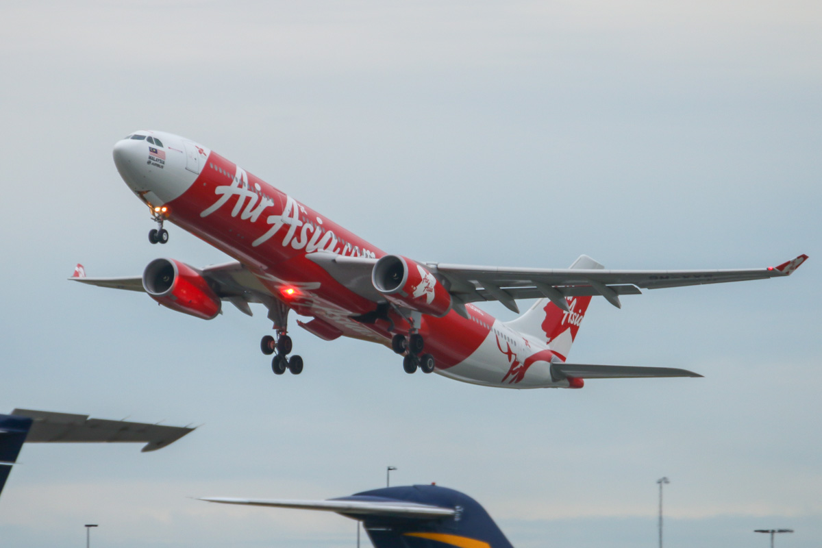 9M-XXS Airbus A330-343X (MSN 1533), named 'Xiaolin Spirit' of AirAsia X at Perth Airport – Tue 2 September 2014. Taking off from runway 03 at 7:04am as D7 237 to Kuala Lumpur. Photo © David Eyre