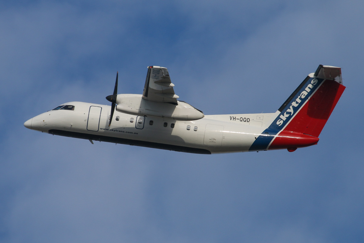 VH-QQD De Havilland Canada DHC-8-102 Dash 8 (MSN 245) of Maroomba Airlines (leased from Skytrans) at Perth Airport – Wed 3 September 2014. Seen turning east after takeoff from runway 21 on a FIFO flight to Wiluna. Photo © David Eyre