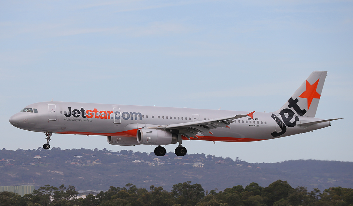 VH-VWX Airbus A321-231 (MSN 3899) of Jetstar at Perth Airport – Thurs 4 Sept 2014.
