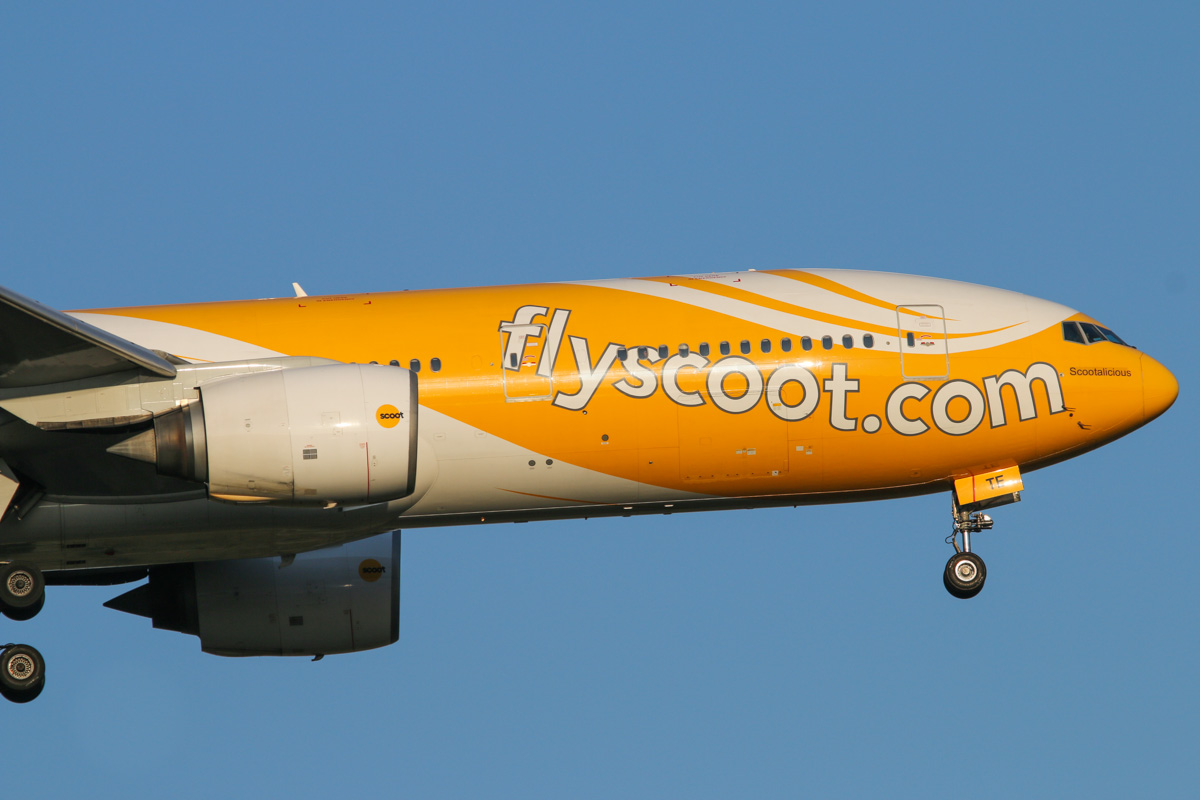 9V-OTE Boeing 777-212ER (MSN 28519/237) of Scoot, named 'Scootalicious', at Perth Airport – Mon 15 September 2014. Flight TZ8 from Singapore, on final approach to runway 21 at 5:14pm. Photo © David Eyre
