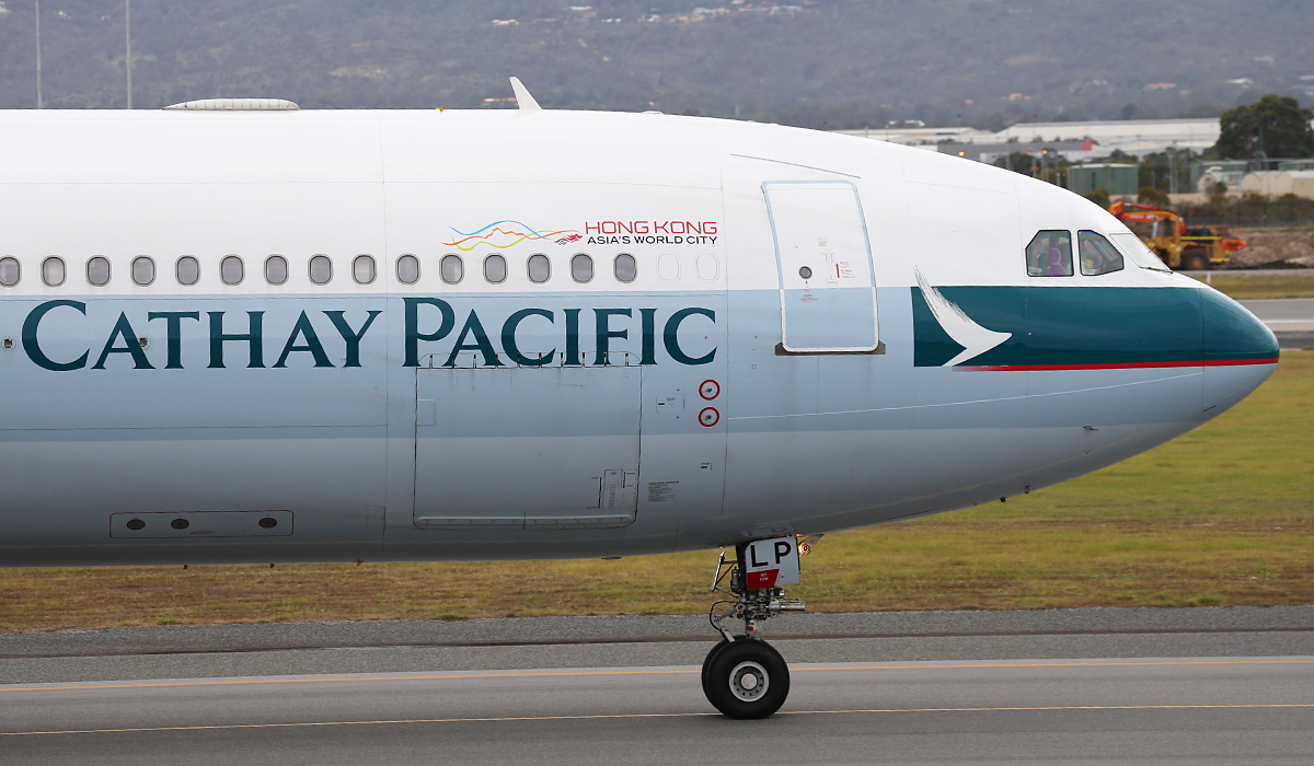 B-HLP Airbus A330-343X (MSN 418) of Cathay Pacific at Perth Airport – Fri 5 Sept 2014.