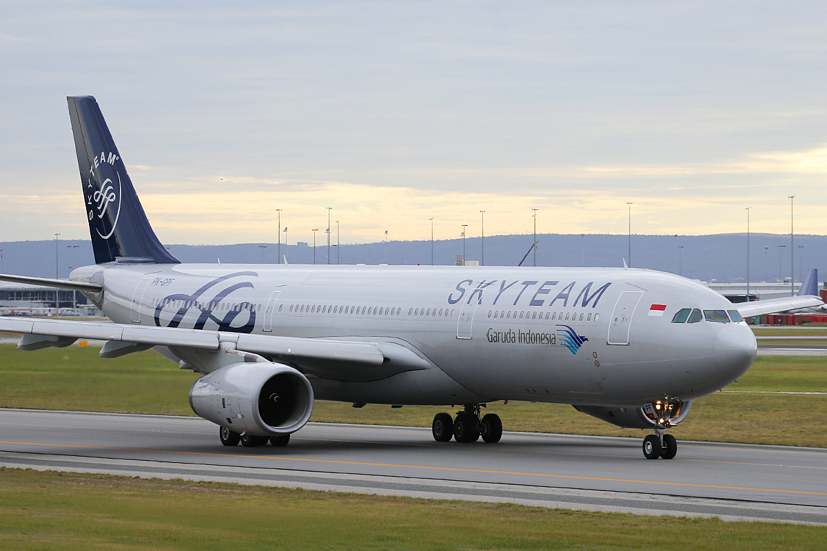 PK-GPF Airbus A330-341 (MSN 153) of Garuda Indonesia in SkyTeam livery at Perth Airport – Fri 5 Sept 2014.