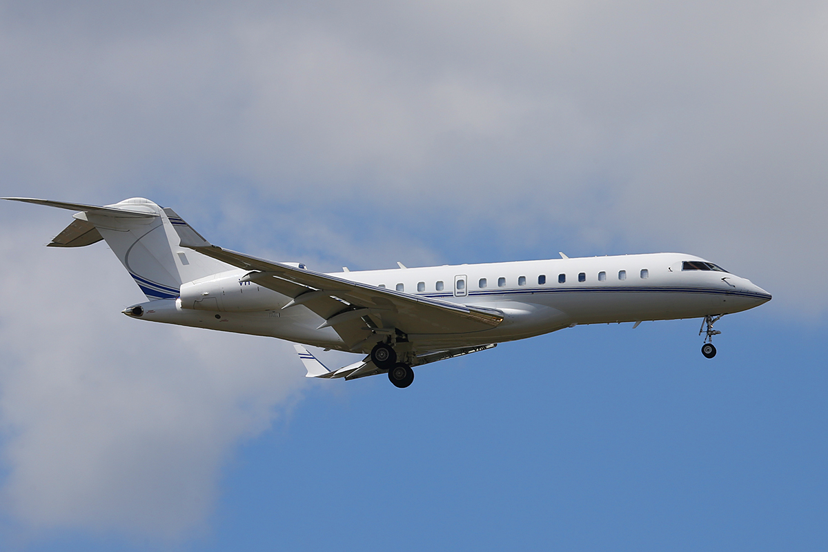 VH-IQR Bombardier BD-700-1A10 Global Express (MSN 9230) of Execujet Australia at Perth Airport – Sun 14 Sept 2014.