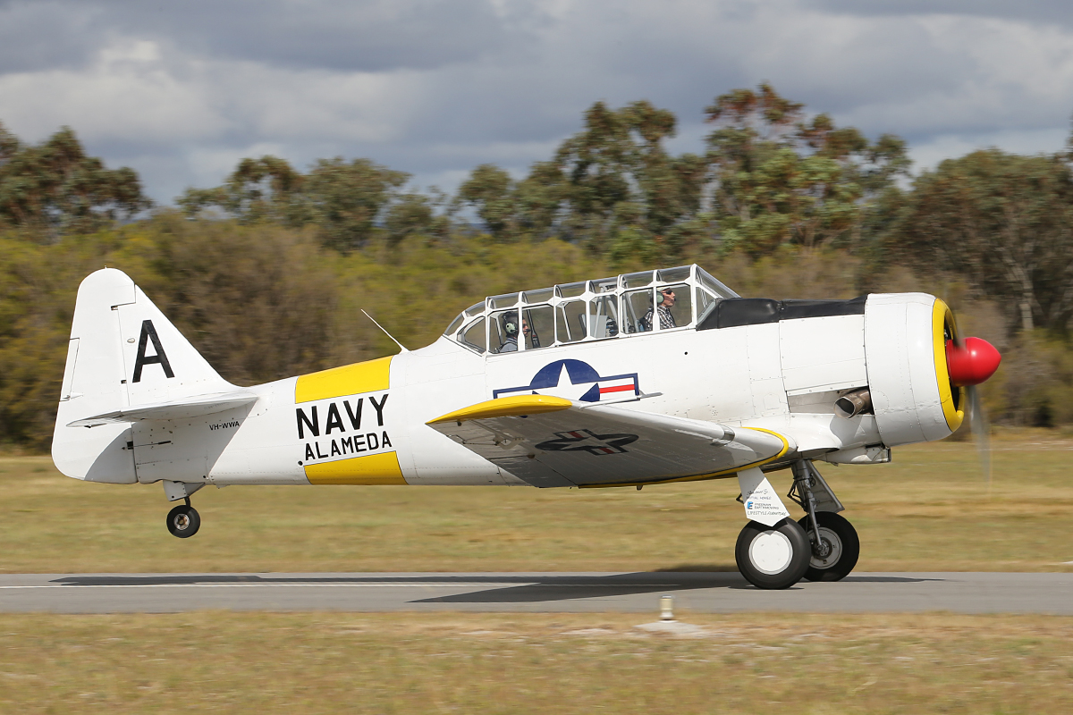 VH-WWA North American Aviation AT-6D Texan (MSN 78-7094) built in 1942 at Serpentine Airfield – 28 Sept 2014