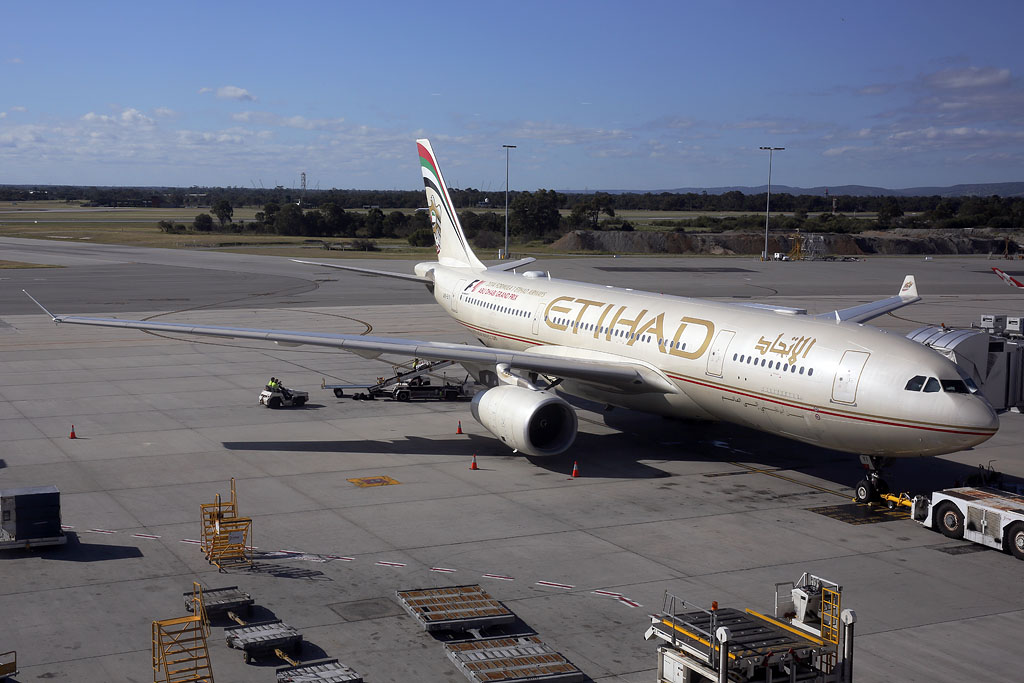 A6-EYI Airbus A330-243 (MSN 730) of Etihad Airways, at Perth Airport – 26 Sept 2014.