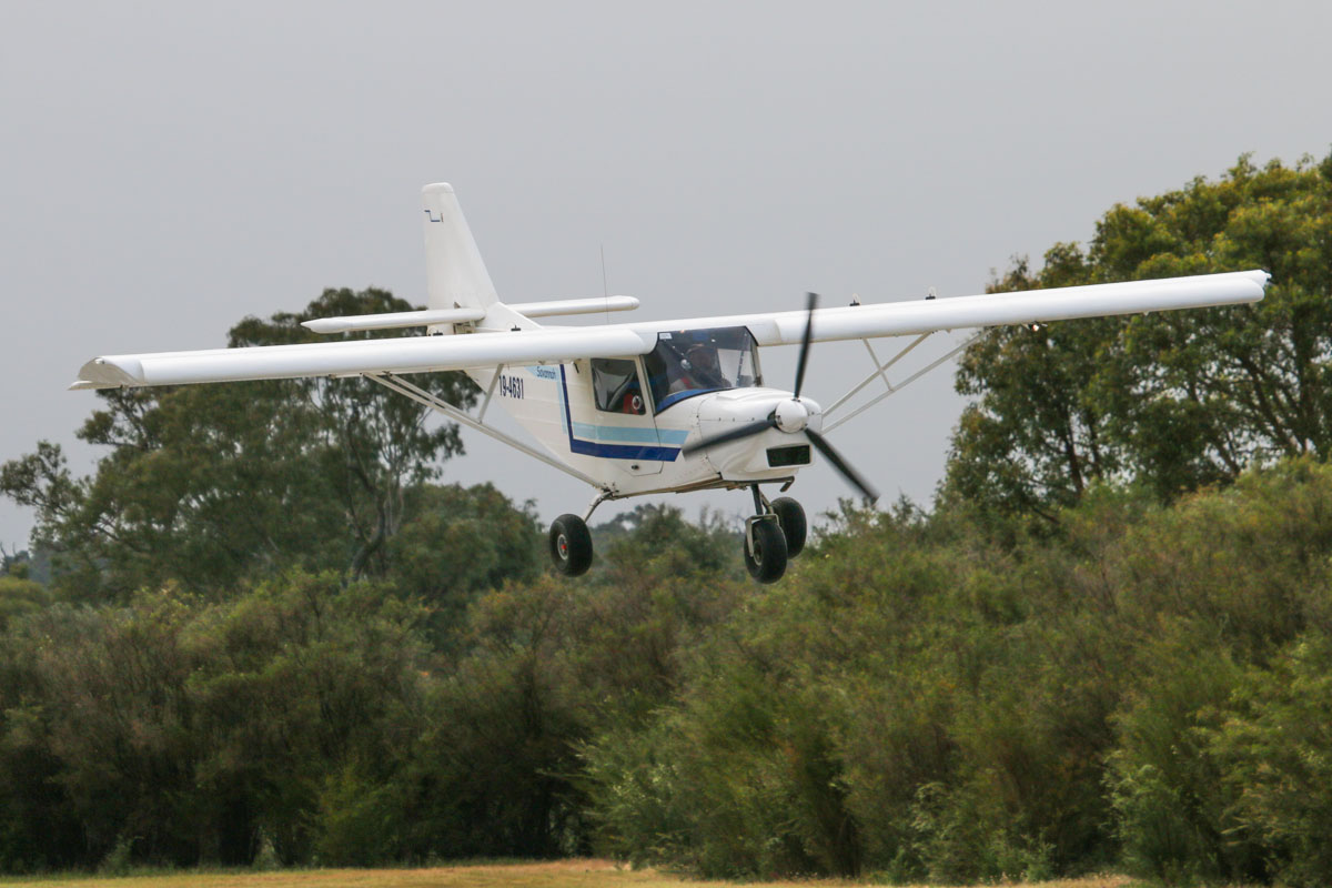 19-4631 ICP MXP-740 Savannah (MSN 05-06-51-399), at SABC Annual Fly In, Serpentine Airfield – Sun 28 September 2014. Landing on runway 23. Registered 4/05/2006. Photo © David Eyre