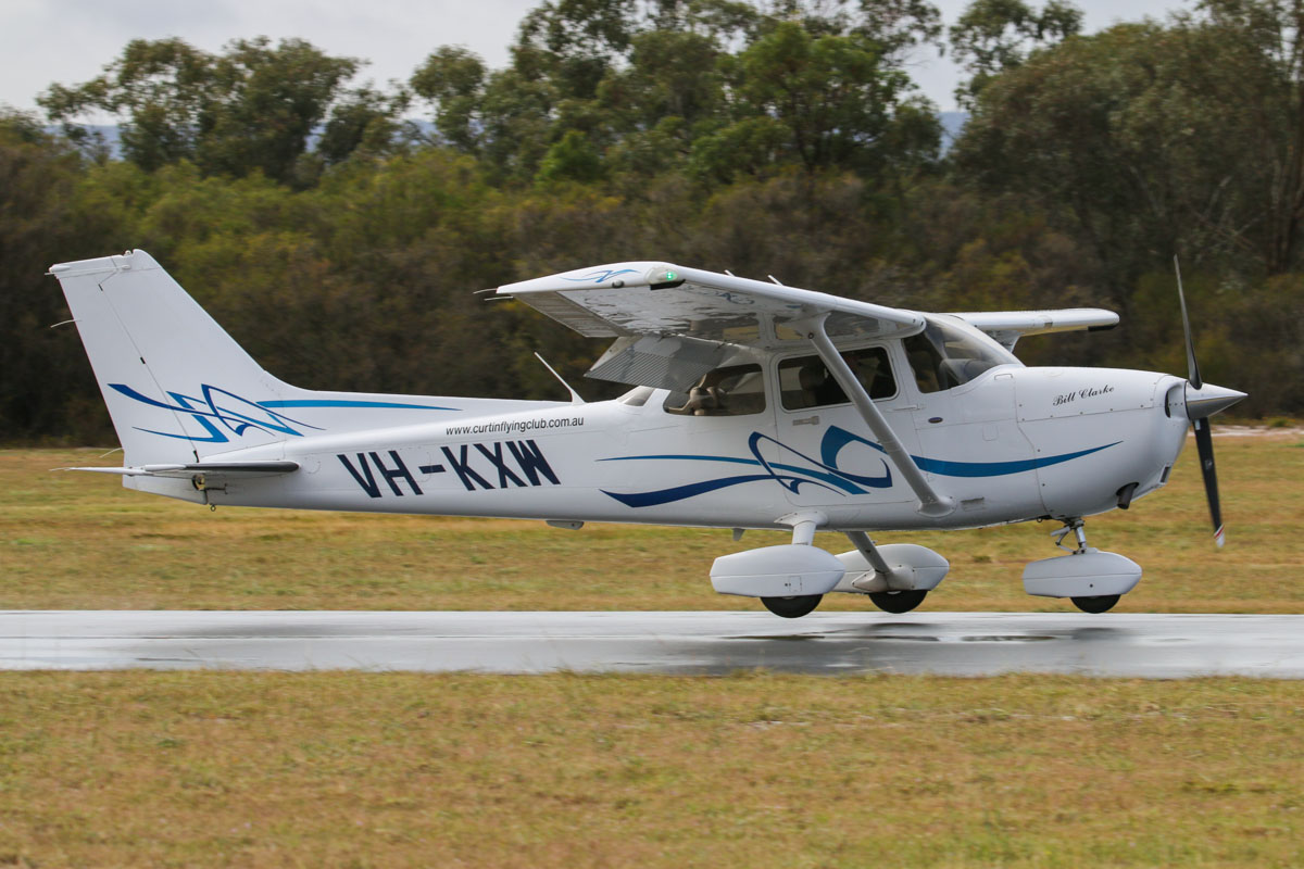 VH-KXW Cessna 172S Skyhawk SP (MSN 172S10679) owned by Curtin Flying Club Inc, named 'Bill Clarke', at SABC Annual Fly In, Serpentine Airfield – Sun 28 September 2014. Landing on runway 23. Built in 2008, ex N60524. Photo © David Eyre