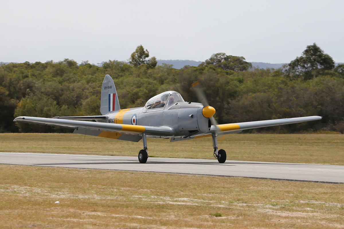 VH-RHW De Havilland Canada DHC-1 T Mk 10 Chipmunk at Serpentine Airfield – Sun 28 Sept 2014.