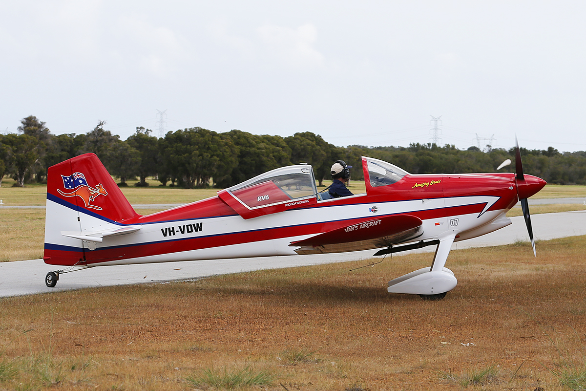 VH-VDW Van's RV-6 (MSN N-455) at Serpentine Airfield – Sun 28 Sept 2014.