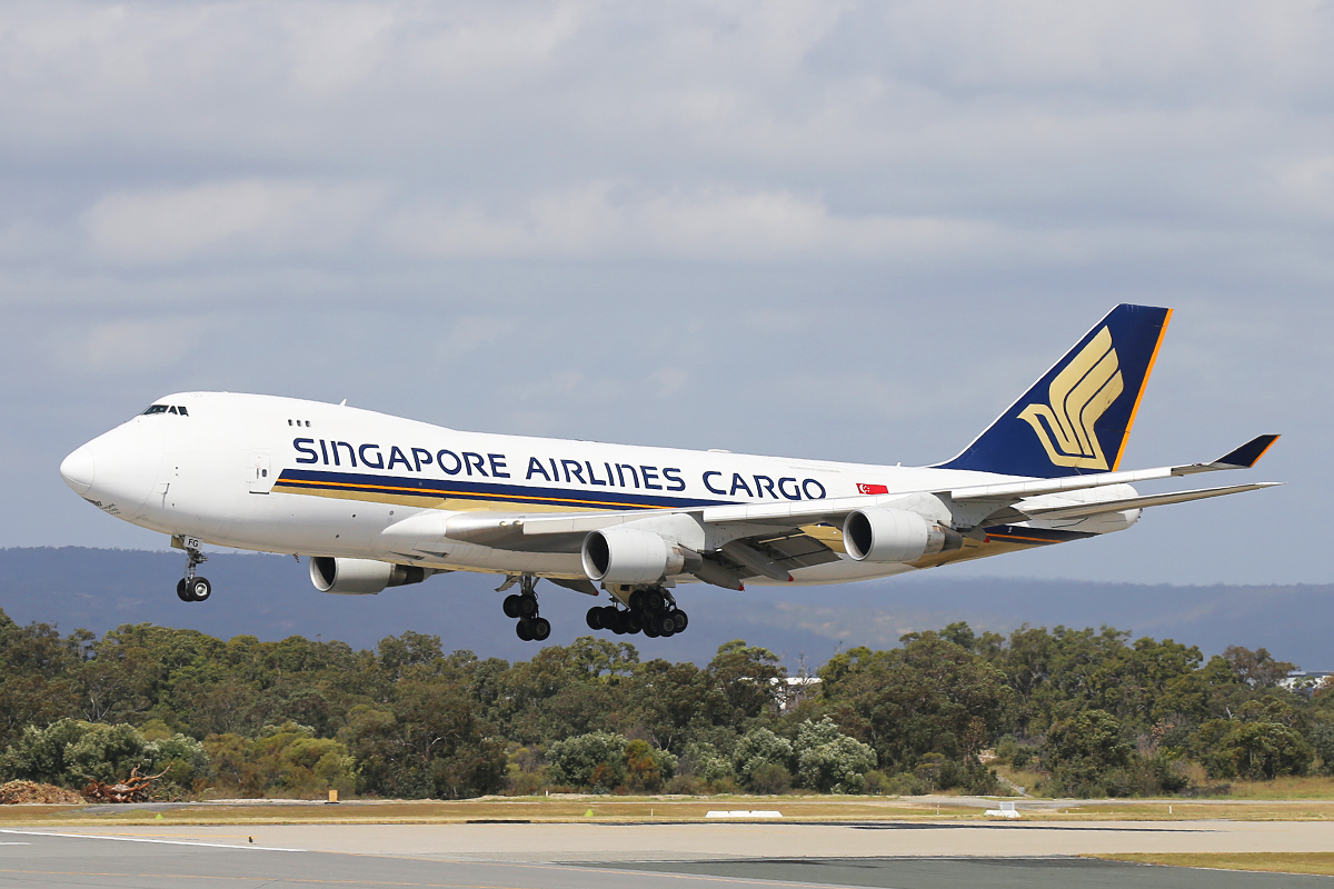 9V-SFG Boeing 747-412F (MSN 26558) of Singapore Airlines Cargo at Perth Airport – Thurs 2 Oct 2014.