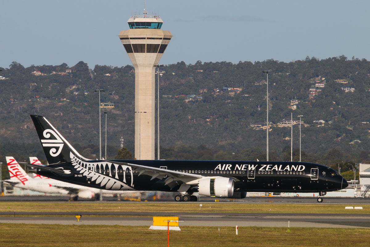 ZK-NZE Boeing 787-9 Dreamliner (MSN 34334/169) of Air New Zealand, in special all-black livery, at Perth Airport – Mon 6 October 2014. Flight NZ175 from Auckland, landing on runway 21 at 4:49pm. Photo © David Eyre
