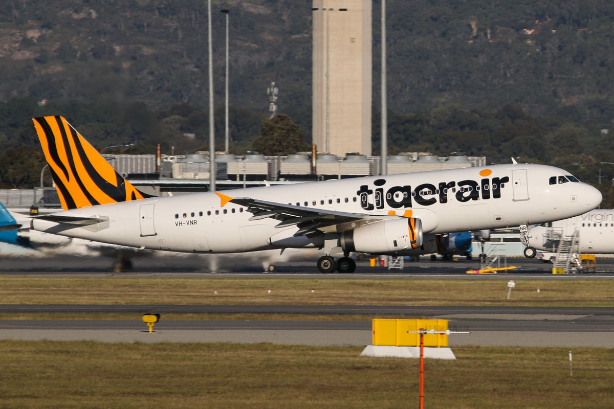 VH-VNR Airbus A320-232 (sharklets) (MSN 5900) of Tigerair Australia, at Perth Airport - Tue 7 October 2014. Flight TT414 to Melbourne, taking off runway 21 at 5:18pm. Photo © David Eyre
