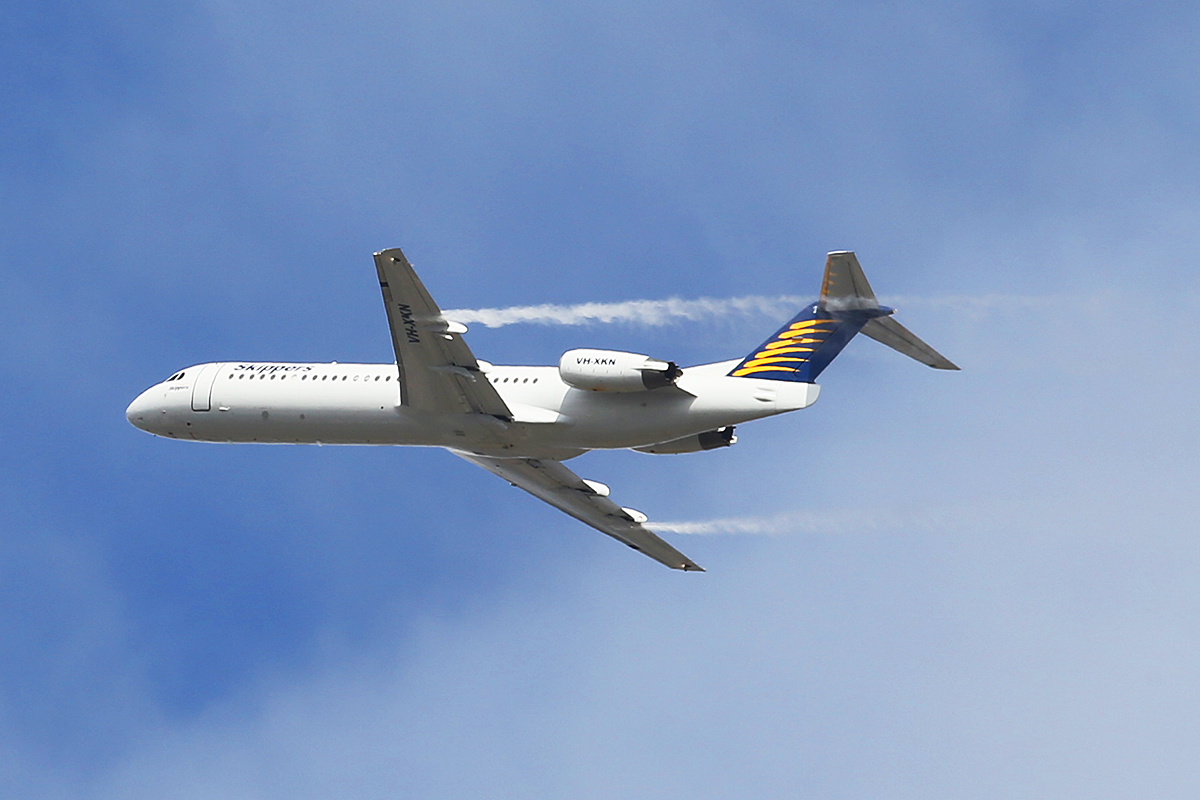 VH-XKN Fokker 100 (MSN 11420) of Skippers Aviation at Perth Airport – 17 Oct 2014.
