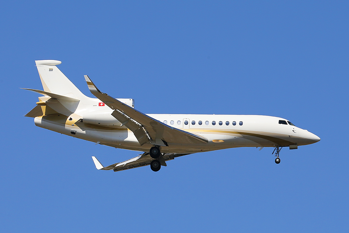 HB-JFN Dassault Falcon 7X (MSN 116) of Jet Link AG at Perth Airport – Tues 21 Oct 2014.