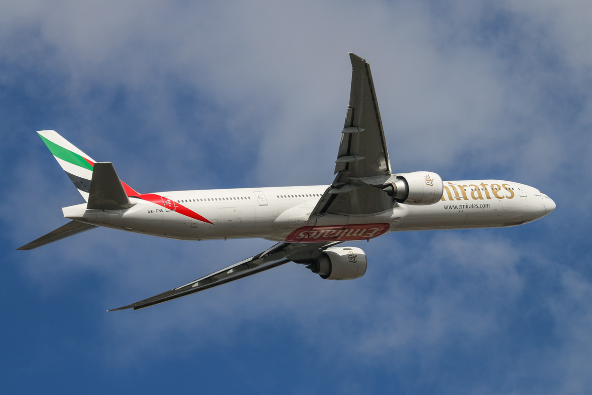 A6-ENE Boeing 777-31HER (MSN 35603/1069) of Emirates, at Perth Airport – Wed 22 October 2014. Flight EK423 to Dubai, after takeoff from runway 21 at 3:19pm. Photo © David Eyre