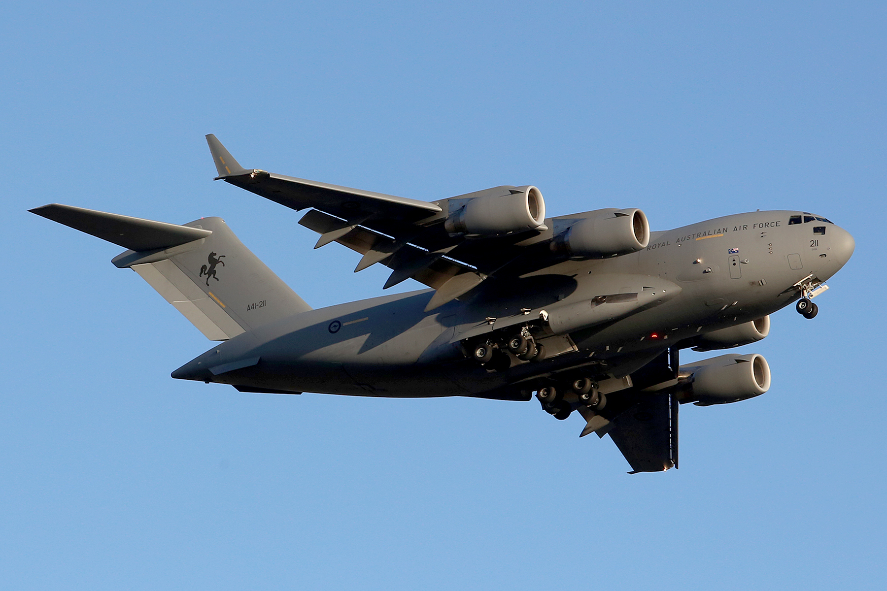 A41-211 Boeing C-17A Globemaster III (MSN AUS-6) at Perth Airport – Mon 27 Oct 2014.