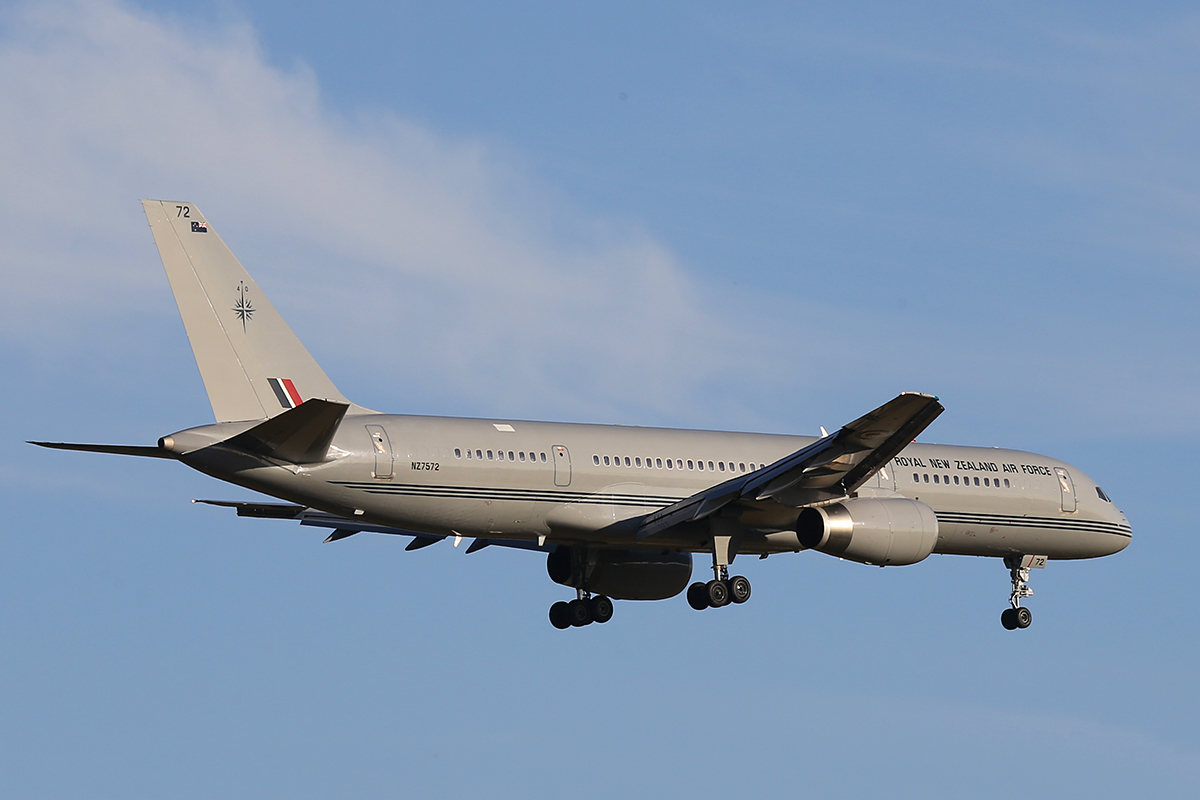 NZ7572 Boeing 757-2K2 (MSN 26634) of the Royal New Zealand Air Force at Perth Airport – Fri 31 Oct 2014.
