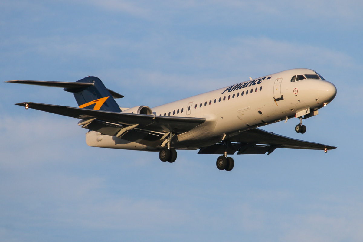 VH-QQV Fokker 70 (MSN 11565) of Alliance at Perth Airport - Fri 31 October 2014. On final approach to runway 21 at 6:01pm as UNITY 6079 from Coondewanna. Photo © David Eyre