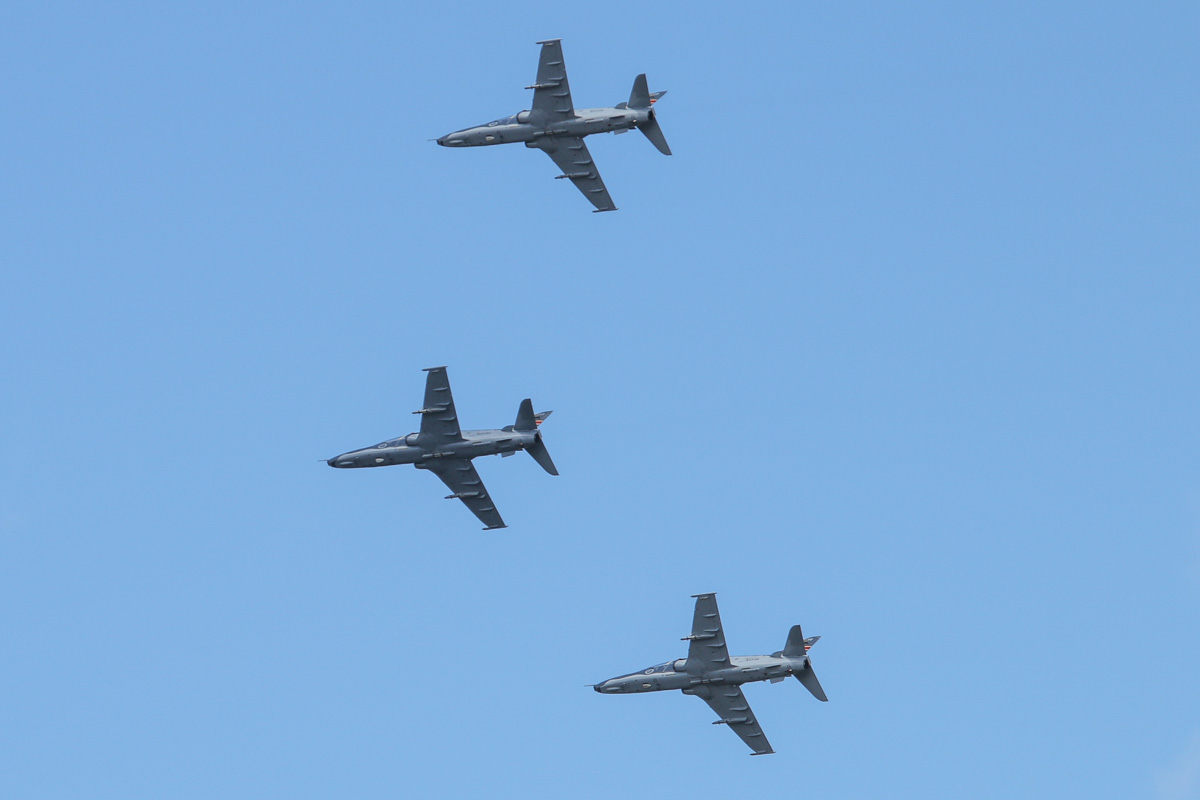 A27-03 (MSN DT-03), A27-20 (MSN DT-20) and A27-30 (MSN DT-30) BAE Systems Hawk 127 of 79 Squadron, RAAF, over the Swan River, Perth - Tue 11 November 2014. Performing a flypast at 11am for Remembrance Day. The formation overflew the War Memorial at Kings Park, before flying over the South Perth War Memorial and the Fremantle War Memorial. Photo © David Eyre